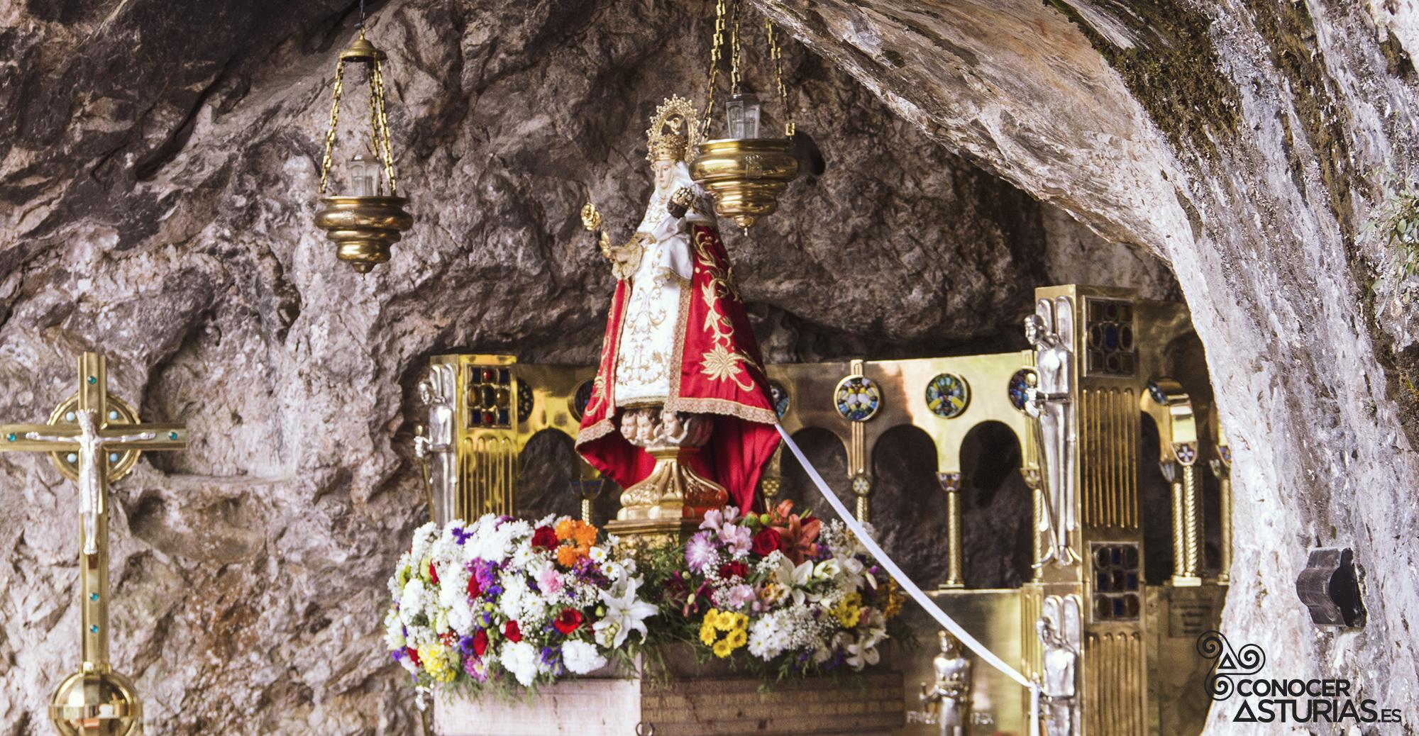 La Santina o Vírgen de Covadonga